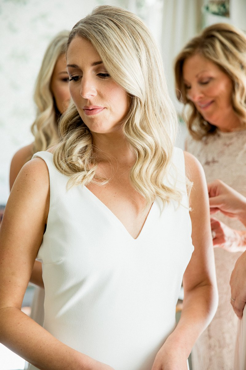 effortless hair style for bride