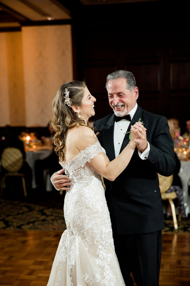 father daughter wedding dance candid photos