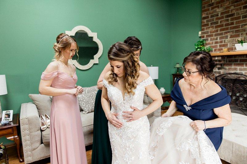 princeton nj wedding with bride getting ready